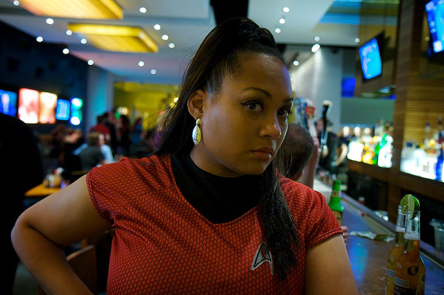A person cosplaying as Uhura
