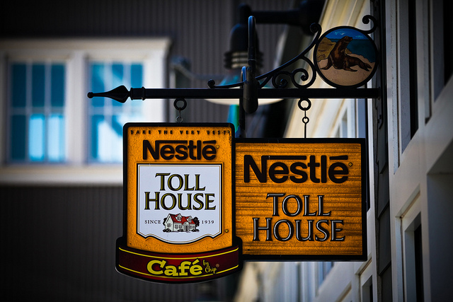 A sign advertising a Nestle cafe