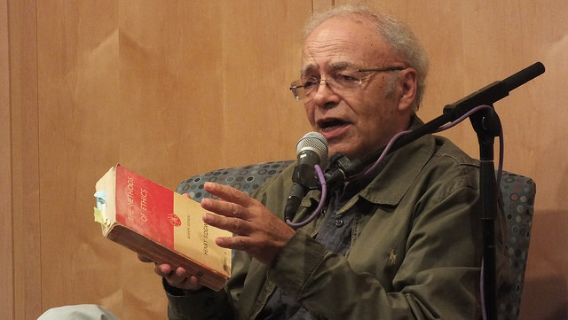 Ethicist Peter Singer at an event.